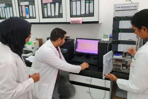 A research team of faculty members and PharmD students at College of Pharmacy – Gulf Medical University in collaboration with the National Cancer Institute (USA) discovered a novel compound that can inhibit the growth of cancer cells